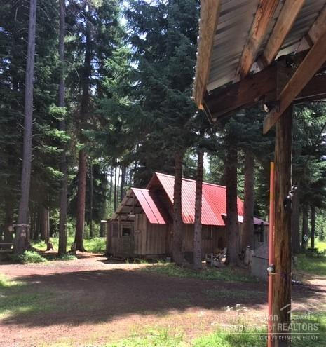 19758 Royce Mtn Way, Crescent Lake, OR 97733 (MLS #201907766) :: Berkshire Hathaway HomeServices Northwest Real Estate