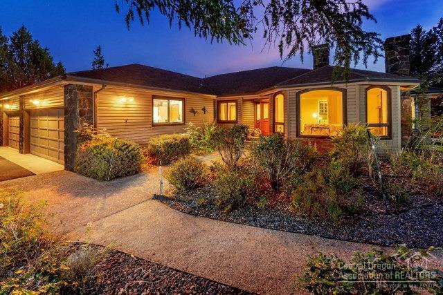 691 NE Wyoming Drive, Prineville, OR 97754 (MLS #201907807) :: Central Oregon Home Pros