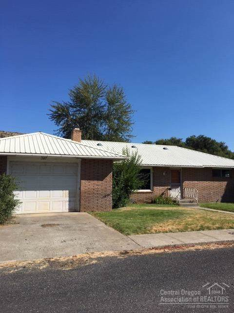 307 NW 5, John Day, OR 97845 (MLS #201908396) :: Fred Real Estate Group of Central Oregon