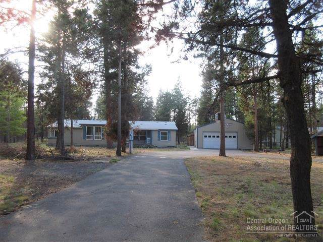 54765 Robin Lane, Bend, OR 97707 (MLS #201908850) :: Berkshire Hathaway HomeServices Northwest Real Estate