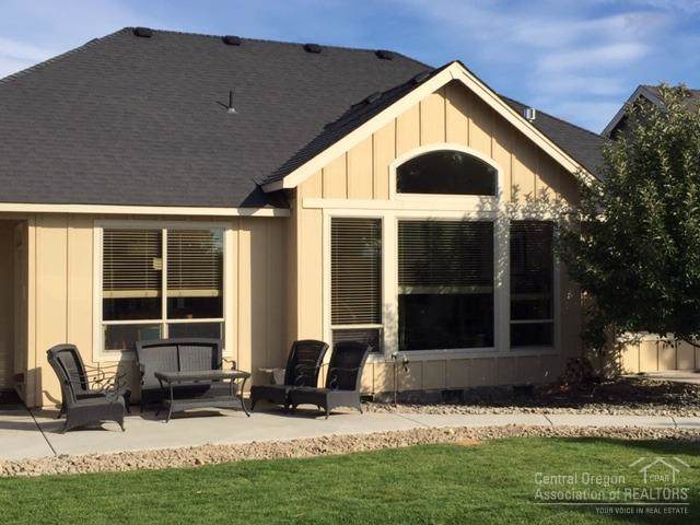 2639 NW 22nd Street, Redmond, OR 97756 (MLS #201909763) :: The Ladd Group