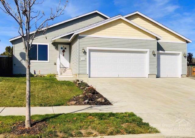 725 NE Robin Place, Prineville, OR 97754 (MLS #201909795) :: Central Oregon Home Pros