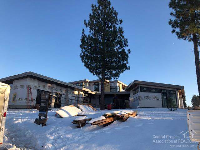 61846 SW Hosmer Lake Drive, Bend, OR 97702 (MLS #201910799) :: The Ladd Group