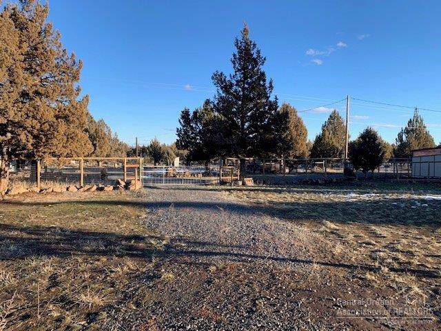 7412 SW Drake Drive, Culver, OR 97734 (MLS #201910879) :: Berkshire Hathaway HomeServices Northwest Real Estate