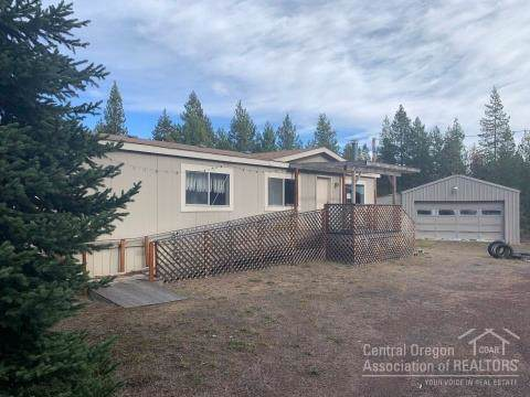 53240 Deep Woods Drive, La Pine, OR 97739 (MLS #201910885) :: The Ladd Group