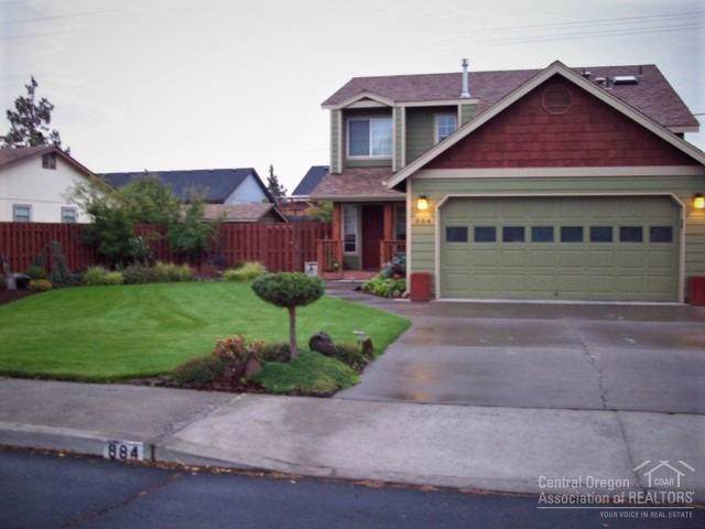 Bend, OR 97701 :: Berkshire Hathaway HomeServices Northwest Real Estate