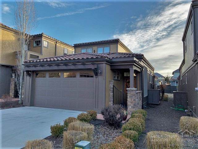 63192 NW Via Palazzo, Bend, OR 97703 (MLS #202000358) :: Stellar Realty Northwest