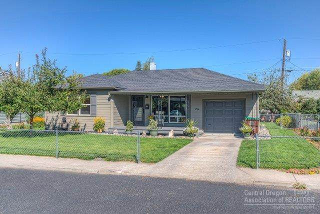 294 SW Ewen Street, Prineville, OR 97754 (MLS #202000983) :: The Ladd Group
