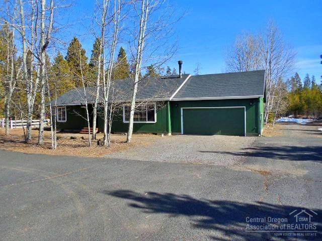 55374 Gross Drive, Bend, OR 97707 (MLS #202001570) :: Fred Real Estate Group of Central Oregon
