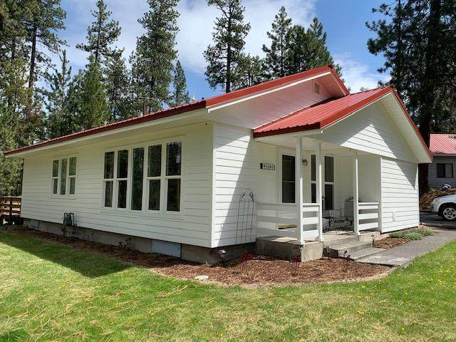 138735 Rainbow Circle, Gilchrist, OR 97737 (MLS #220100361) :: Central Oregon Home Pros