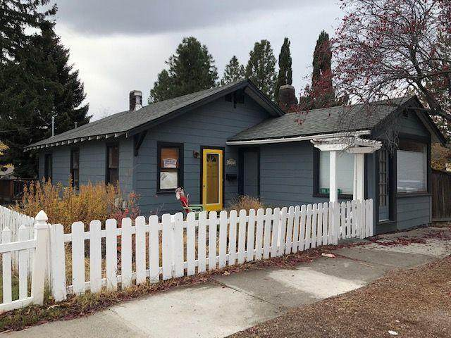 725 NW Delaware Avenue, Bend, OR 97703 (MLS #220103475) :: Bend Relo at Fred Real Estate Group