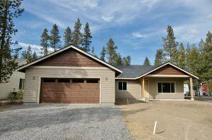 56025 Marsh Hawk Road, Bend, OR 97707 (MLS #220104010) :: Berkshire Hathaway HomeServices Northwest Real Estate