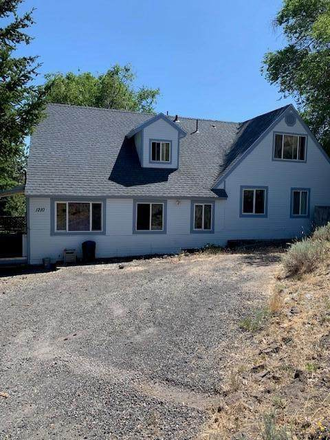 1210 Prescott Street, Klamath Falls, OR 97601 (MLS #220104164) :: The Ladd Group