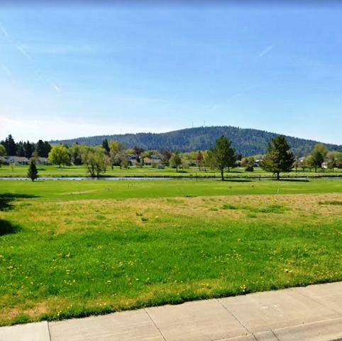 Harbor Isle Boulevard, Klamath Falls, OR 97601 (MLS #220104369) :: Berkshire Hathaway HomeServices Northwest Real Estate