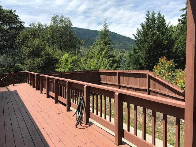 813 Broadway Street, Rogue River, OR 97537 (MLS #220105058) :: Rutledge Property Group