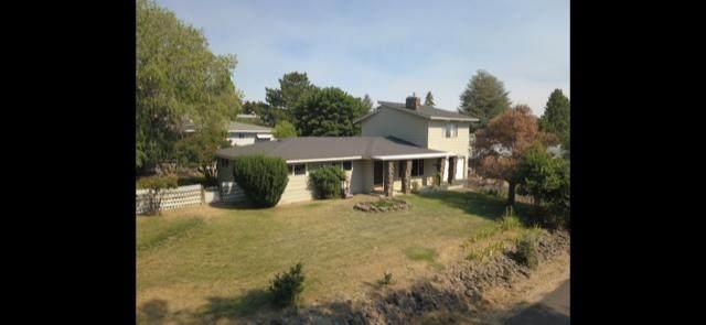 2003 Carlson Drive, Klamath Falls, OR 97603 (MLS #220106219) :: The Ladd Group