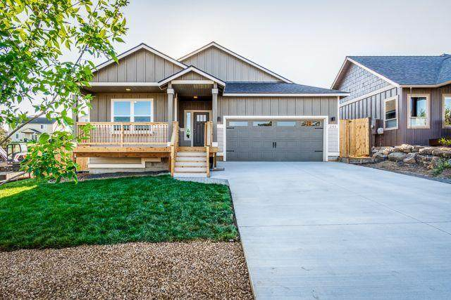 2580 SW 47th Street, Redmond, OR 97756 (MLS #220106307) :: The Ladd Group
