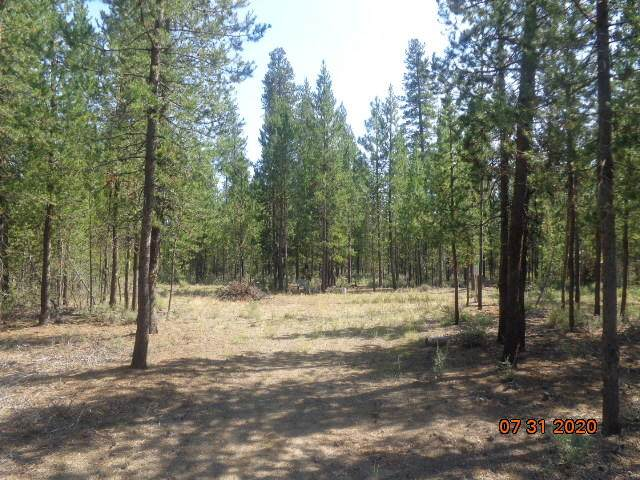 16295 Twin Drive, La Pine, OR 97739 (MLS #220106459) :: Bend Relo at Fred Real Estate Group