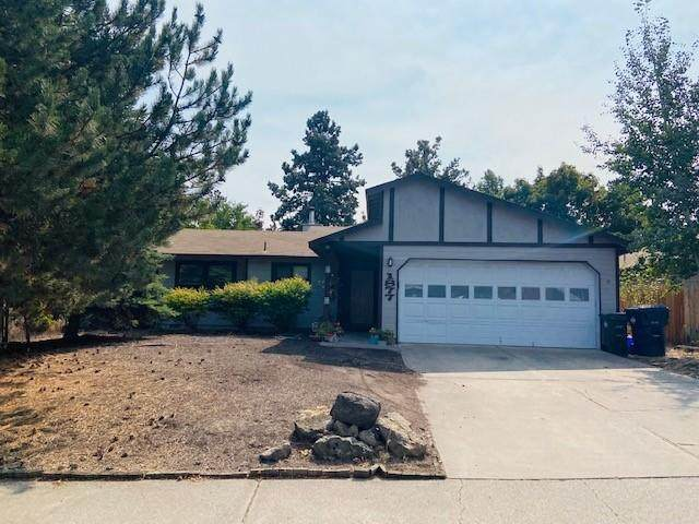 1877 NE Veronica Lane, Bend, OR 97701 (MLS #220108863) :: Coldwell Banker Bain