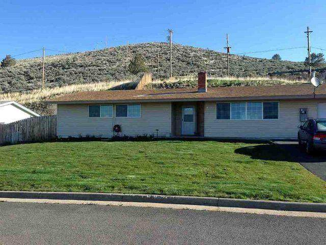 10053 Westbrook Drive, Klamath Falls, OR 97603 (MLS #220109358) :: The Payson Group