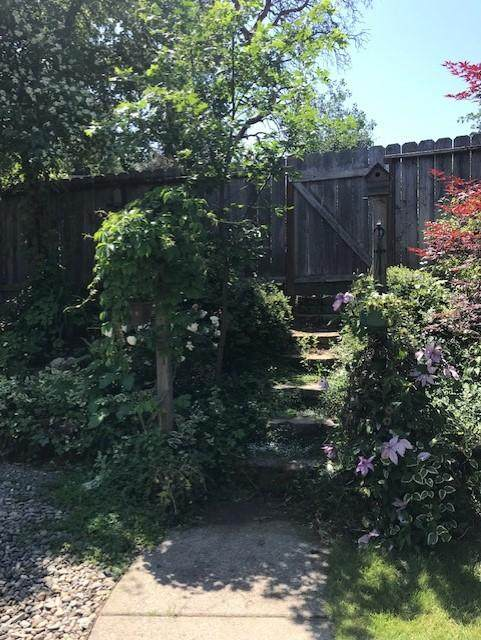 1786 Brookhurst Way, Grants Pass, OR 97527 (MLS #220109468) :: FORD REAL ESTATE