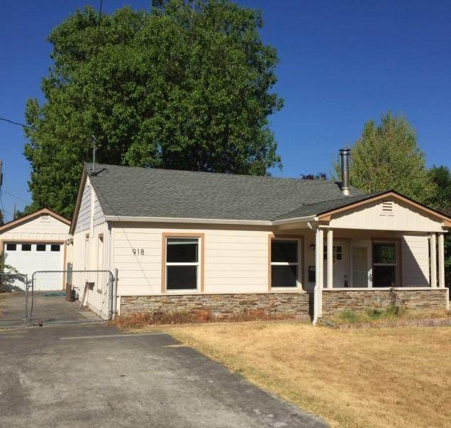 918 SW Oak Street, Grants Pass, OR 97526 (MLS #220110890) :: The Payson Group