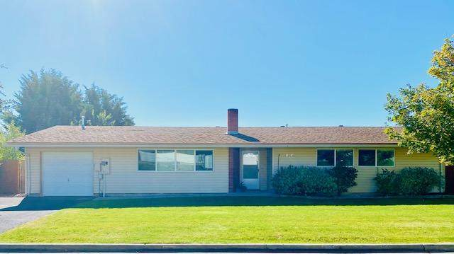10024 Mcguire Avenue, Klamath Falls, OR 97603 (MLS #220111123) :: Berkshire Hathaway HomeServices Northwest Real Estate