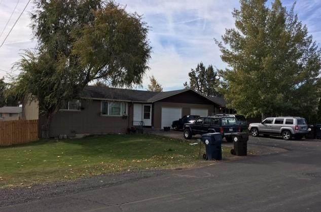 2004 SW Timber Avenue, Redmond, OR 97756 (MLS #220111183) :: Windermere Central Oregon Real Estate