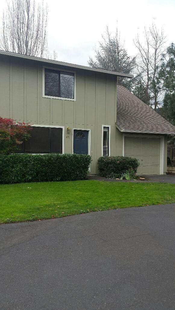 671 Park Street, Ashland, OR 97520 (MLS #220111258) :: The Ladd Group