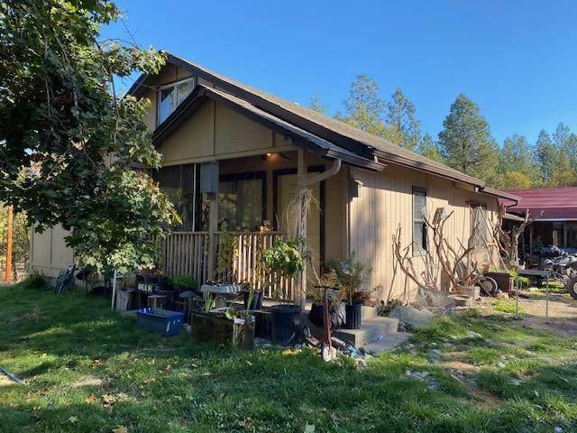 5001 Azalea Drive, Grants Pass, OR 97526 (MLS #220111356) :: The Payson Group
