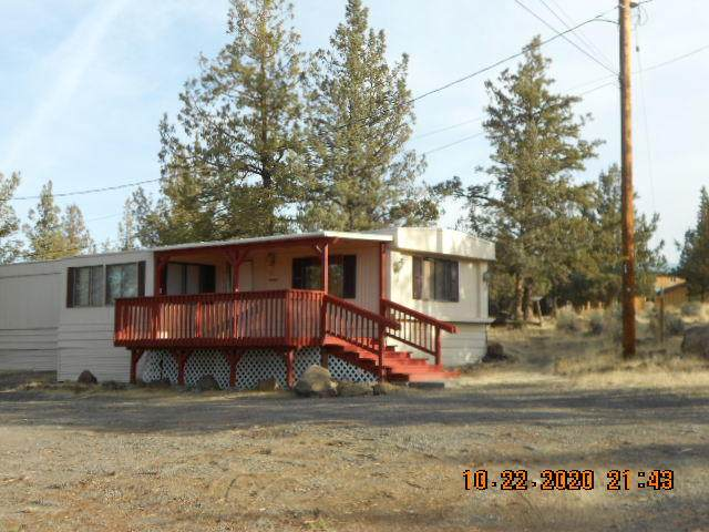 8802 SW Shad Road, Terrebonne, OR 97760 (MLS #220111534) :: Fred Real Estate Group of Central Oregon