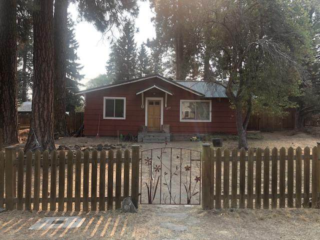 1255 NW Ithaca Avenue, Bend, OR 97703 (MLS #220111577) :: Bend Homes Now
