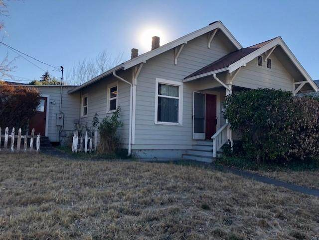 548 C Street, Ashland, OR 97520 (MLS #220111689) :: Central Oregon Home Pros