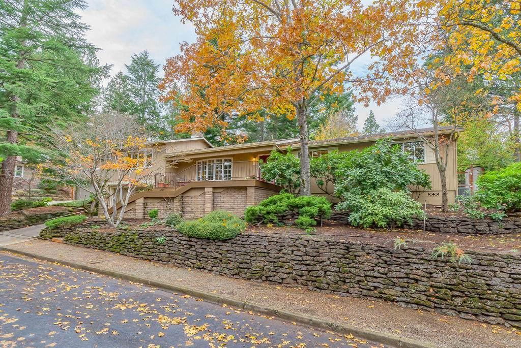 1025 Pinecrest Terrace - Photo 1
