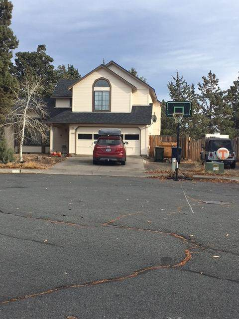 2092 NE Red Rock Lane, Bend, OR 97701 (MLS #220112695) :: The Payson Group