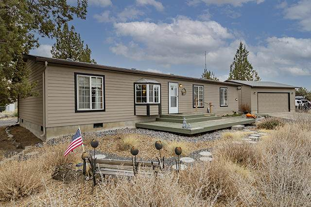 64880 Mcgrath Road, Bend, OR 97701 (MLS #220112752) :: Fred Real Estate Group of Central Oregon