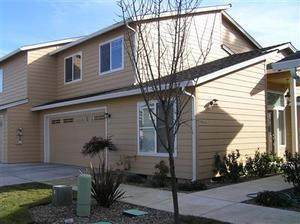 344 Live Oak Loop, Central Point, OR 97502 (MLS #220112919) :: The Riley Group