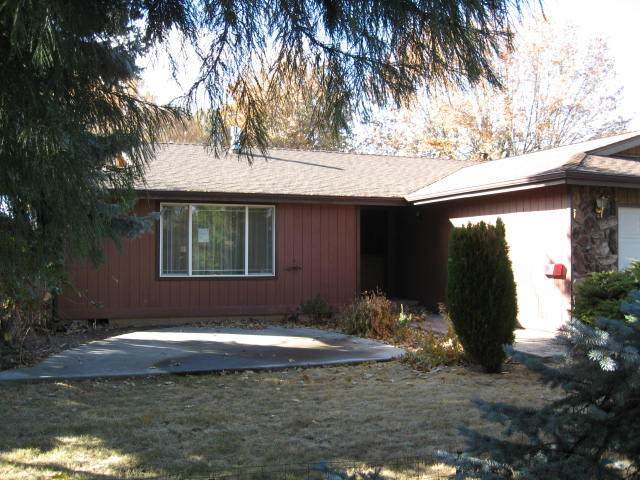 5452 Brentwood Drive, Klamath Falls, OR 97603 (MLS #220113050) :: The Ladd Group