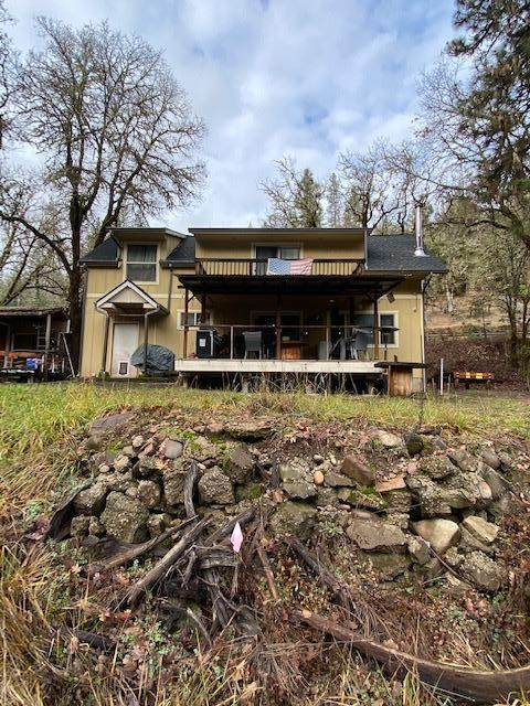 25118 Highway 62 6 & 7, Trail, OR 97541 (MLS #220114814) :: Top Agents Real Estate Company