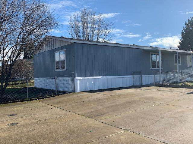 3750 Avenue G Spc 22, White City, OR 97503 (MLS #220115066) :: Bend Relo at Fred Real Estate Group