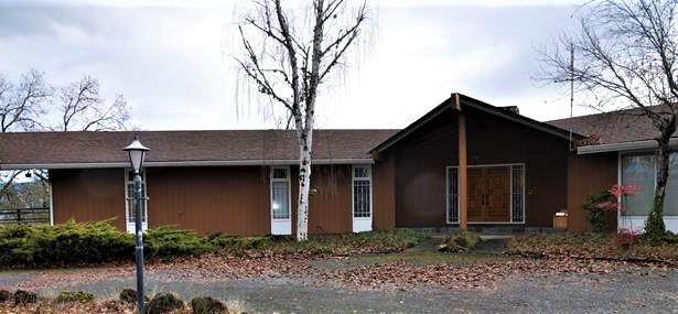 178 Azalea Cut Off Drive Ofc, Grants Pass, OR 97526 (MLS #220115087) :: Bend Relo at Fred Real Estate Group