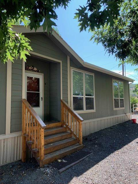 6084 Shady Brook Drive, Central Point, OR 97502 (MLS #220115141) :: Berkshire Hathaway HomeServices Northwest Real Estate