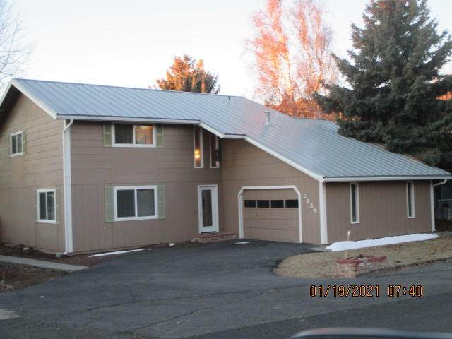 2435 Lindley Way, Klamath Falls, OR 97601 (MLS #220115424) :: The Riley Group