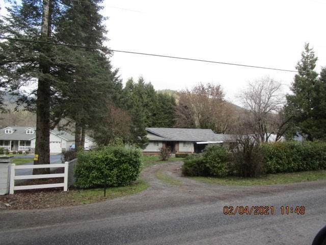 1285 Wards Creek Road, Rogue River, OR 97537 (MLS #220116201) :: Rutledge Property Group
