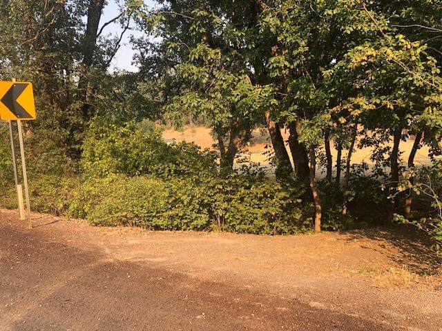 3297 Hwy 238, Jacksonville, OR 97530 (MLS #220117654) :: Rutledge Property Group