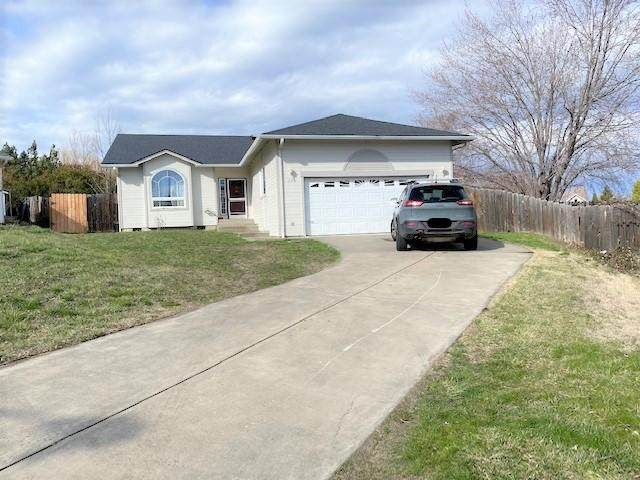 325 Blackberry Court, Talent, OR 97540 (MLS #220117723) :: Coldwell Banker Sun Country Realty, Inc.