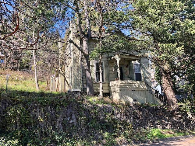 275 Scenic Drive, Ashland, OR 97520 (MLS #220118846) :: Bend Relo at Fred Real Estate Group