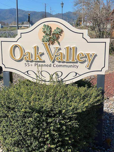280 Oak Valley Drive, Talent, OR 97540 (MLS #220119635) :: FORD REAL ESTATE