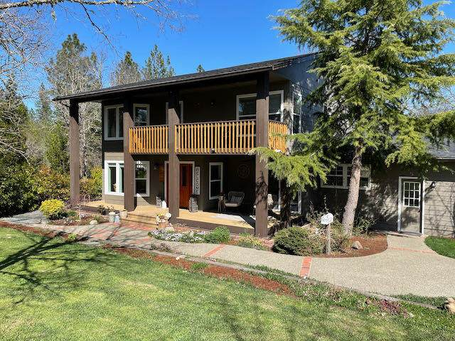 1103 Wildflower Drive, Merlin, OR 97532 (MLS #220119925) :: Berkshire Hathaway HomeServices Northwest Real Estate