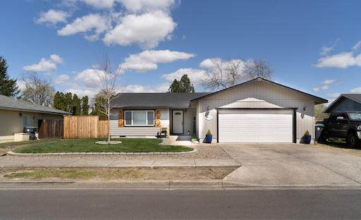 2219 Temple Drive, Medford, OR 97504 (MLS #220120108) :: The Riley Group